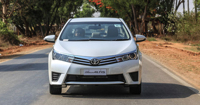 Toyota Corolla Altis India First Drive Review - Reviews of Car