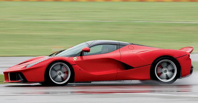 Ferrari Laferrari Review - autoX