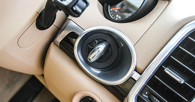 Porsche Cayenne Review | Porsche Cayenne Review in India - autoX on porsche cayenne tuning, porsche cayenne exclusive, porsche cayenne upgrades, porsche cayenne common problems, porsche cayenne parts diagram, porsche cayenne design, porsche cayenne forums, porsche cayenne accessories, porsche cayenne limited edition, porsche cayenne specs, porsche cayenne history,