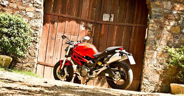 Ducati Monster 795 Photo Gallery