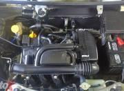renault kwid 1 litre engine bay