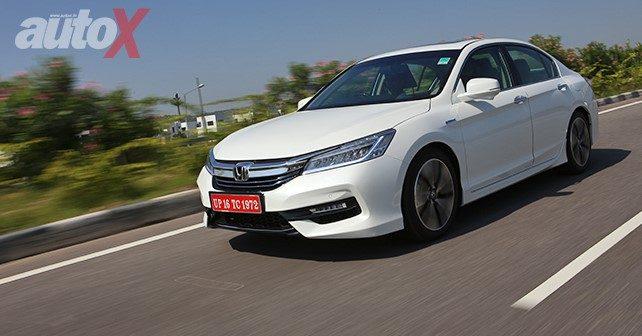2016 Honda Accord Hybrid Review M6