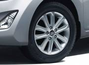 Hyundai Elantra Exterior Pictures wheel 042