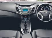 Hyundai Elantra Interior Pictures dashboard 059
