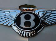 Bentley Continental Flying Spur Exterior photo front grill logo 098