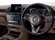 Mercedes Benz GLS interior photo dashboard 059