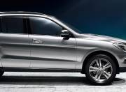 Mercedes Benz M Class exterior photo side view right 038