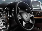 Mercedes Benz M Class interior photo steering wheel 054