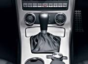 Mercedes Benz SLK interior photo gear shifter 087