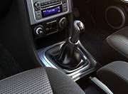 Tata Safari Storme image gear shifter 087