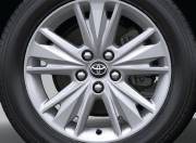 Toyota Innova Crysta Exterior Photo wheel 042