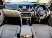 Hyundai Tucson dashboard gal