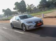lexus es 300h front three quarter dynamic