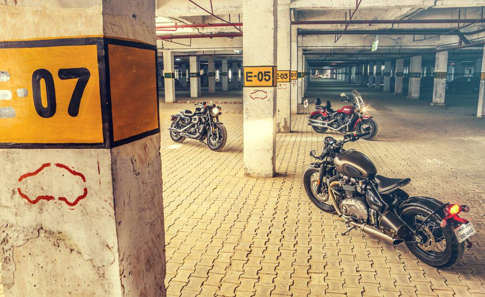 Triumph Bobber Indian Scout Sixty Harley Davidson Roadster