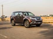 isuzu mu x front three quarter dynamic gal