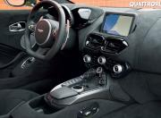 Aston Martin V8 Vantage Interior3