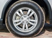 Mitsubishi Outlander image 16-inch wheels