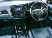 Mitsubishi Outlander image cabin