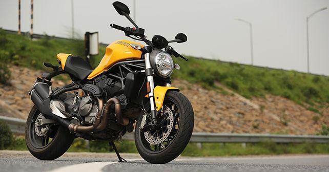 Ducati Monster 821 Front1