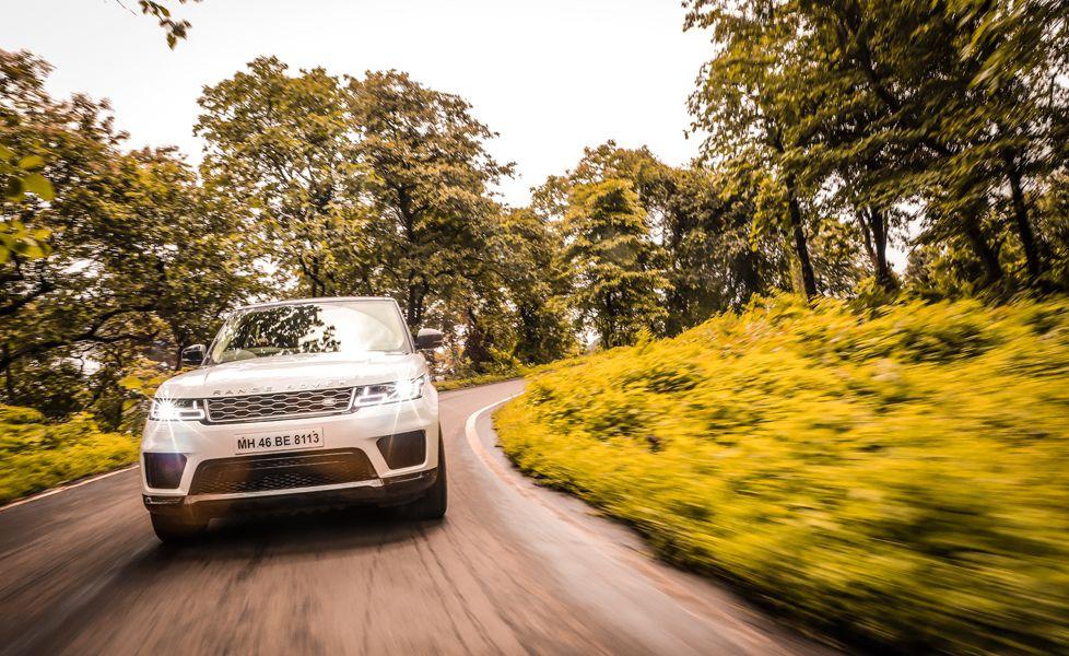 Range Rover Sport Action