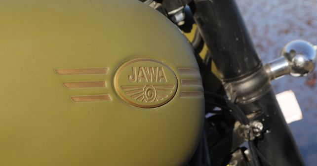Jawa Forty Two Tank