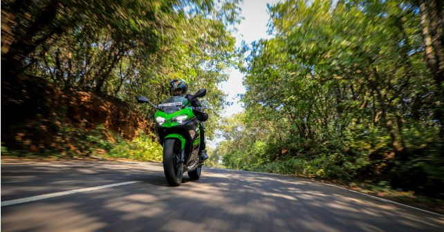 Kawasaki Ninja 400 Ride Motion Front