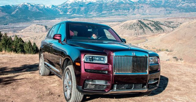 Rolls Royce Cullinan Front Three Quarter Off Road