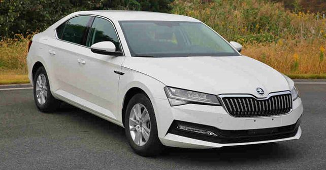 Skoda Superb Spy Shot 2