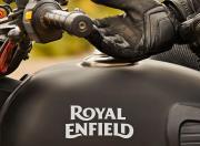 Royal Enfield Classic Stealth Black image 3