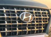 Hyundai Venue grille