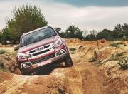 Isuzu MUX off road 3