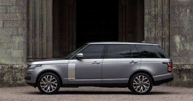 Range Rover with new 3.0-litre Ingenium Petrol Motor