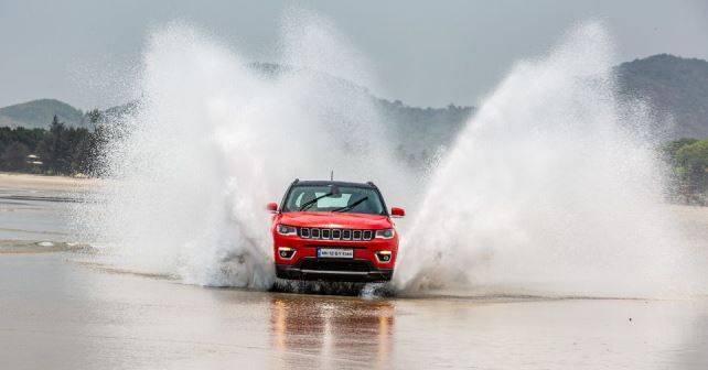 Jeep Compass Beach Drive2