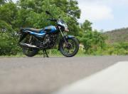 bajaj platina 110 h gear Image front three quarter1