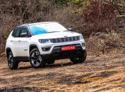 jeep compass trailhawk front three quarter