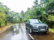 Audi Q7 motion
