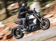 Ducati Diavel 1260 S side motion