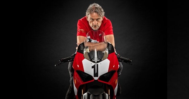 Ducati pays homage to the iconic 916 on its 25th anniversary by launching a special edition version of the V4 S. Only 500 units will be produced, and they'll all feature a special numbering.