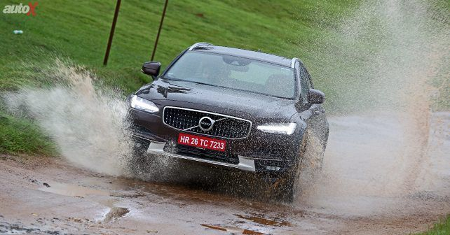 2017 Volvo V90 Cross Country Dynamic