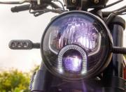 Benelli Leoncino 500 Image headlamp3