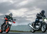 ktm duke 390 vs royal enfield interceptor 650