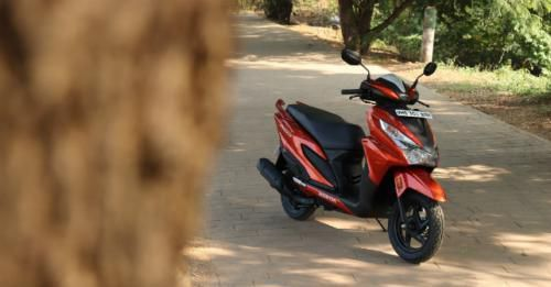 Honda Grazia Review Static Front M11