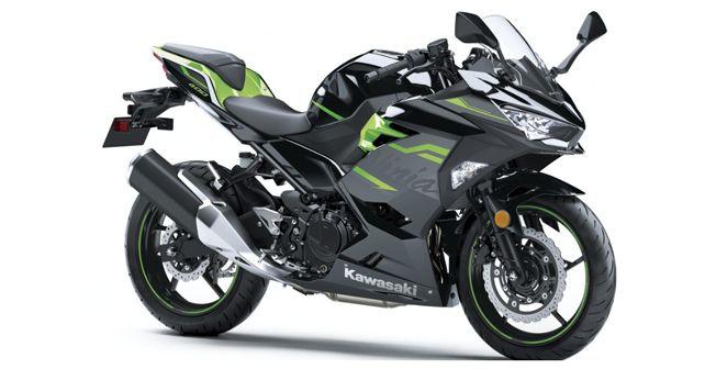 Kawasaki Ninja 400 Metallic Spark Black