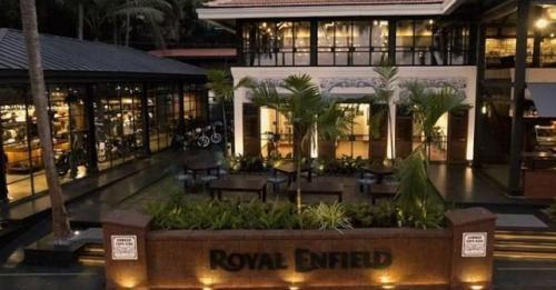 Royal Enfield Garage Cafe Goa M