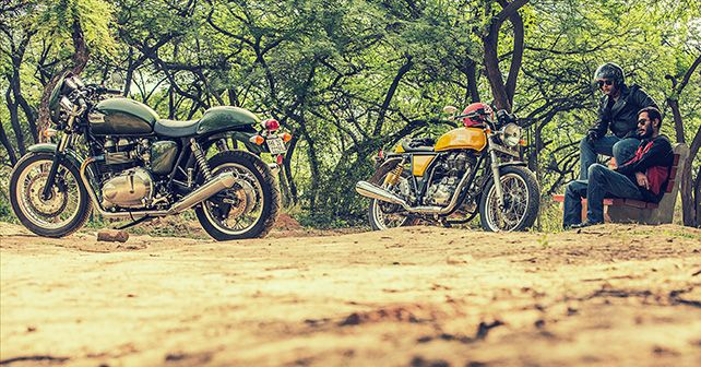 RE Continental GT vs Triumph Thruxton