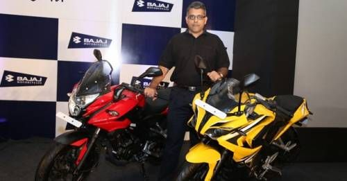 Mr Eric Vas President Motorcycle Bisuness Bajaj Auto Ltd Addressing The Press At The Press Conference Held In Mumbai