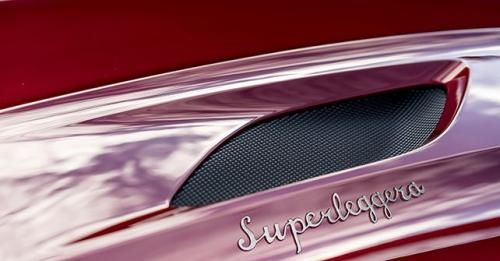 DBS Superleggera01