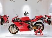 ducati 916 race bike