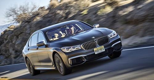 2017 BMW M760Li XDrive Front