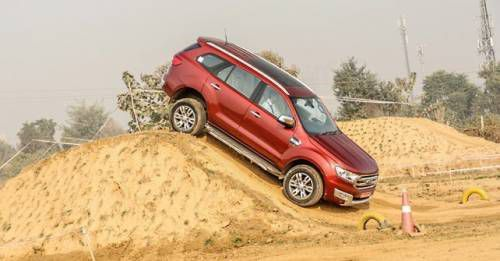 Ford Endeavour Action2